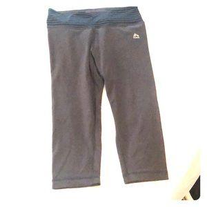 Cropped workout leggings. Lightly worn.